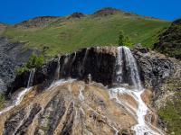 Lac Lovitel et fontaine pétrifiante